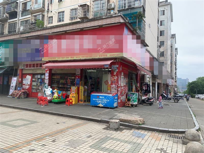 大型成熟社区出入口60㎡拐角超市转让(带阁楼)